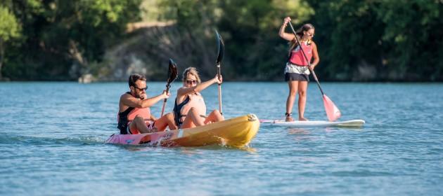 camping au bord de l'eau lac rivière