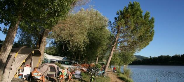 camping au bord de l'eau provence