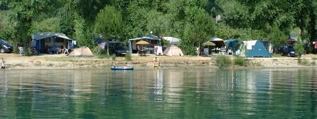 camping au bord de rivière