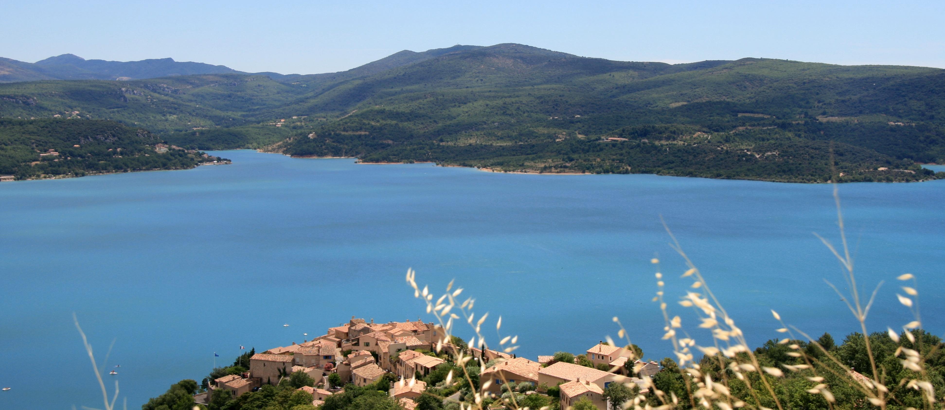 Le Lac De Sainte Croix Dans Le Var